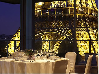 The 460 Rooms Are Modern And Large In Size For Paris Hotels Some Contain Queen King Sized Beds Eiffel Tower View From Pullman Restaurant
