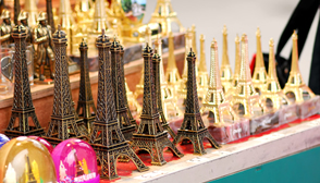 Top 20 souvenirs to bring back from Paris